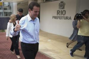 Eduardo Paes est r lu maire de Rio et Sao Paulo doit attendre le