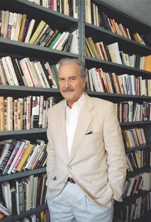 Carlos Fuentes dies at 83; Mexican novelist