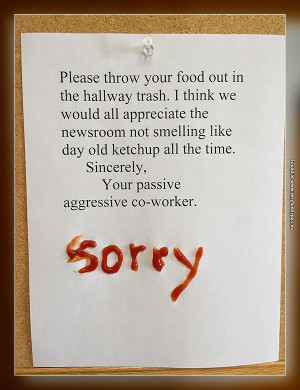 funny-pictures-ketchup-smell