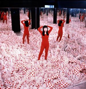 YAYOI KUSAMA , Infinity Mirror Room-Phalli's Field , 1965-98 ...