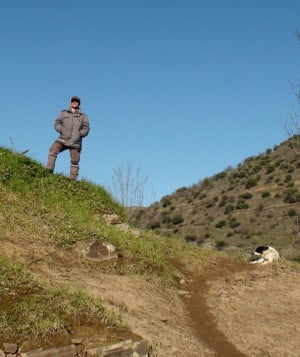 Securitas guard and his dog protecting engravings in the Côa Valley ...