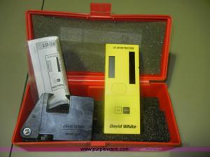 O9686.JPG - David White LD 20 laser detector , Model 5246 , Bracket ...