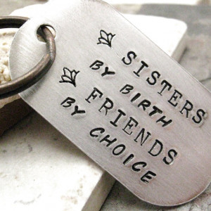 Sisters By Birth Friends By Choice Key Chain rounded von riskybeads