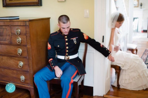Photo of Marine and his bride praying before wedding goes viral [PHOTO ...