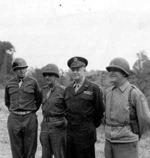 ... Eisenhower, et enfin le général Collins (commandant le VIIe Corps
