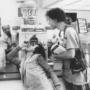 Still of Brendan Fraser and Pauly Shore in Encino Man