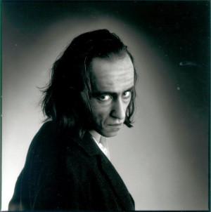 Antonin Artaud ]