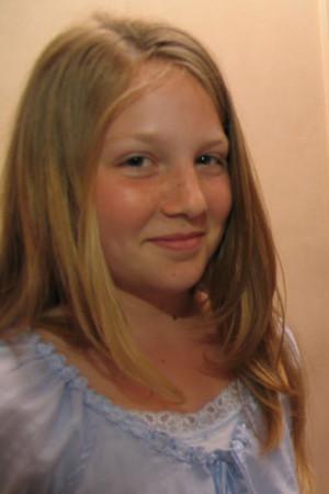 Sarah Butler Born Feb Actor