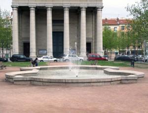 Eglise Saint Pothin et Place Edgar Quinet Lyon 6 me
