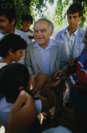 Yitzhak Shamir Campaigning