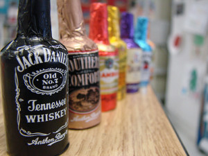 18-workers-at-jfk-accused-of-stealing-100000-mini-bottles-of-liquor ...