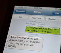cute-gay-inspiring-iphone-texting-281009.jpg