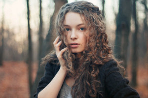 girl with curly brown hair and green eyes tumblr