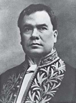 Rubén Darío con uniforme de embajador de Nicaragua