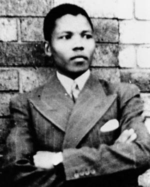 Description Young Mandela.jpg