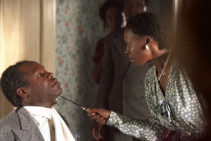 Still of Whoopi Goldberg and Danny Glover in The Color Purple