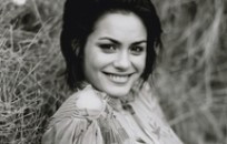 Shannyn Sossamon Actress Twitter Video Quotes Piece Downey Learned ...