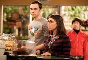 ... Her New Boyfriend & Mayim Bialik, Sheldon's New Love Interest
