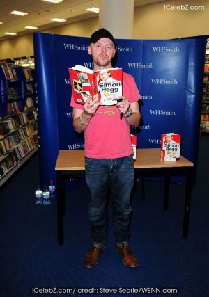 simon_pegg-simon_pegg_book_simon_pegg_signs_copies_of_his_new ...