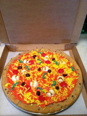 pizza cookie in Pizza Hut boxPizza Hut, Pizza Cookies