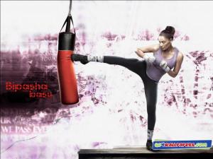 Bipasha Basu Kick Boxing