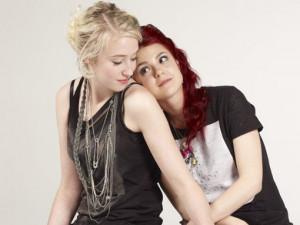 Emily, Naomi. Skins. (L)