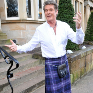 david-hasselhoff-kilt-scotland-top