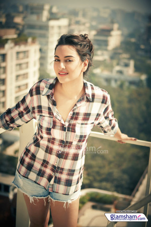 Sonakshi Sinha Images Pictures