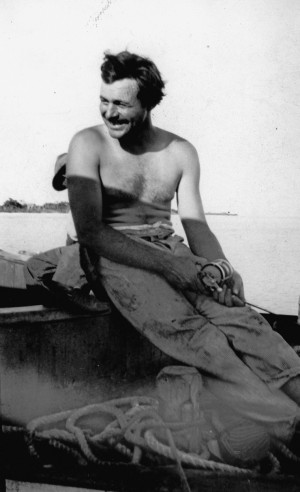 EH08124P Ernest Hemingway fishing on a boat in Key West, Florida, 1928 ...