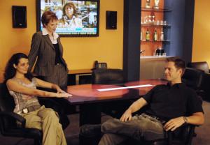 Tony (Michael Weatherly, r.) und Jenny (Lauren Holly, M.) sind froh ...
