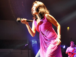 Thread: Dedicated to sunidhi chauhan:some seen &unseen-hot & cute ...