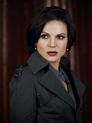The Evil Queen/Regina Mills Queen Regina 2248x3000