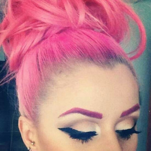 Pink hair, pink eyebrows .... She looks gorgeous, I'd look like a tool ...