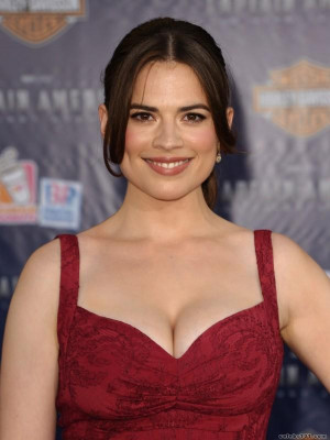Related Pictures hayley atwell hayley atwell hits the red carpet at ...