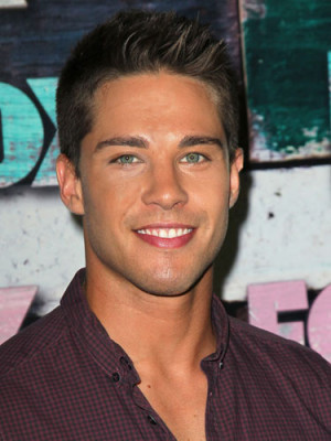 Dean Geyer…. Hot stuff.