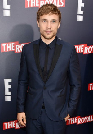 William Moseley In The Royals Series Premiere 150421 06 Male Celeb