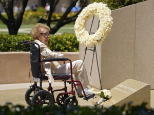 lady Nancy Reagan visits the grave site of her husband Ronald Reagan ...