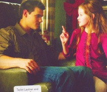Mackenzie Foy and Taylor Lautner