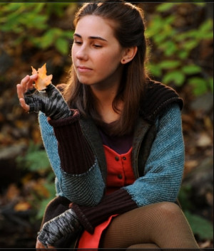 Zosia Mamet as Shoshanna Shapiro