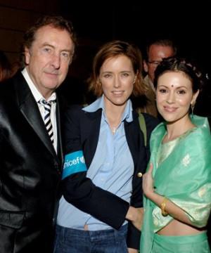 Alyssa Milano, Téa Leoni and Eric Idle