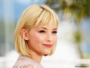 Haley Bennett Cute Smile, Pictures, Photos, HD Wallpapers
