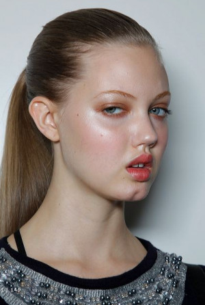 Thread: Classify Lindsey Wixson
