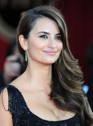 Penelope Cruz Wants To Be Loved for Who She Is!