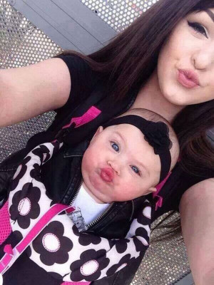 Like Mother, Like Daughter: 25 Adorable Photos Of Moms And Their Mini ...