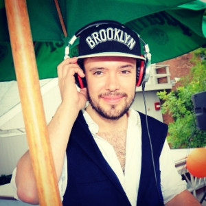 Ben Lovett DJing at Sound Waves at The Beach Pictures