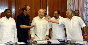 Narayanasamy, Ghulam Nabi Azad, Sushil Kumar Shinde, Veerappa Moily ...