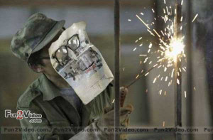 Watch this funny welder who use a cheap and funny way for face ...
