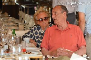 Bernadette et Jacques Chirac en vacances à Saint-Tropez, le 12 août ...