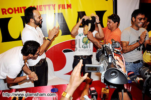 ... Rohit Shetty, Tusshar Kapoor, Cyrus Broacha & Ajay Devgan - photo 11