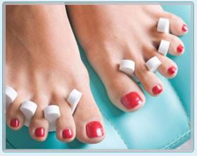Pedicure hybrydowy to wspaniały wybór dla kobiet ceniących ...
